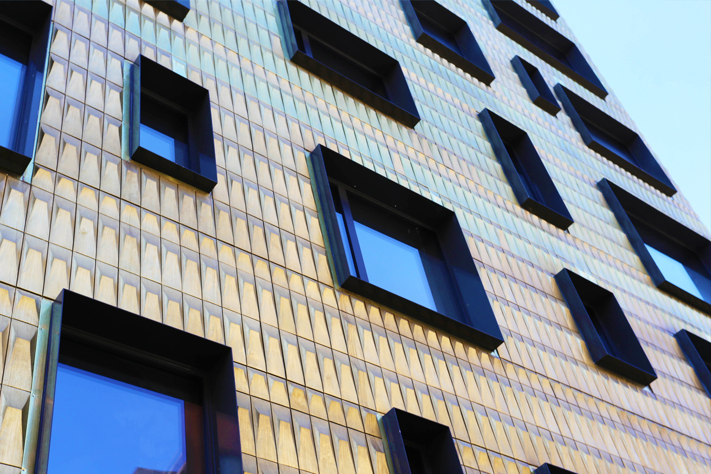 custom-pressed-brass-wall-cladding